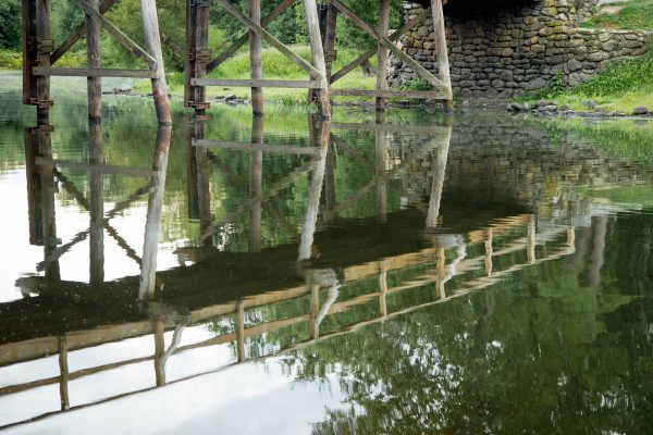 north-bridge-reflection